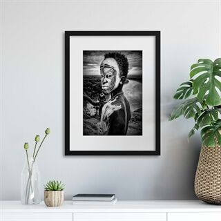 A Boy of the Karo Tribe, Omo Valley Ethiopia by Joxe Inazio Kuesta - Indrammet plakat