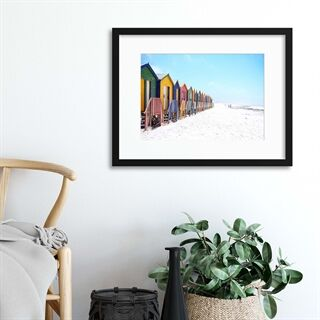 Colourful Beach Huts - Indrammet plakat