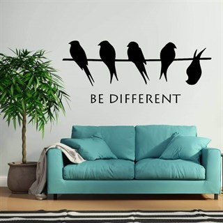 "Wallsticker med teksten ""Be Different"""