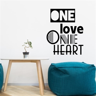 Wallstickers med teksten One love one heart