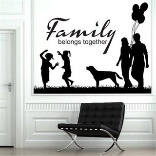 wallstickers med tekst family belongs together
