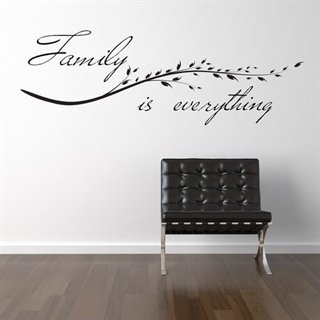 Wallsticker tekst med family is everything