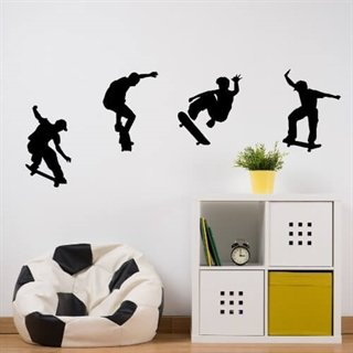 Fede skaters på wallsticker, der flyver hen over væggen