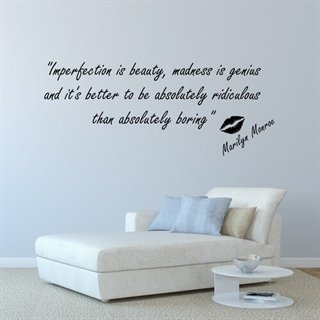 Imperfection is beauty - wallstickers med et citat fra Marilyn Monroe