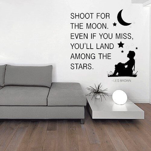 Shoot for the moon wallsticker med citat